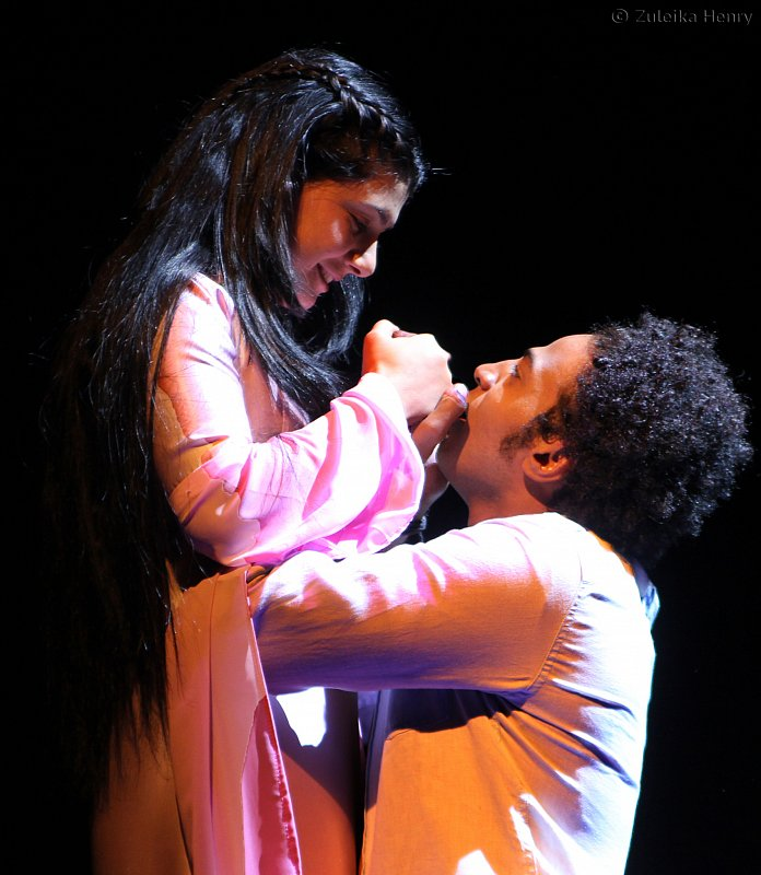 sarwa-rasool-and-ahmed-salah-moneka-2medium_large